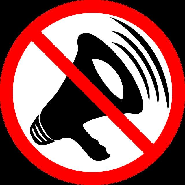 ruido en casa altavoz