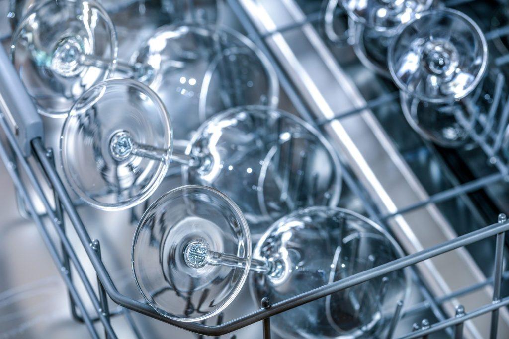 ahorrar luz en el lavavajillas